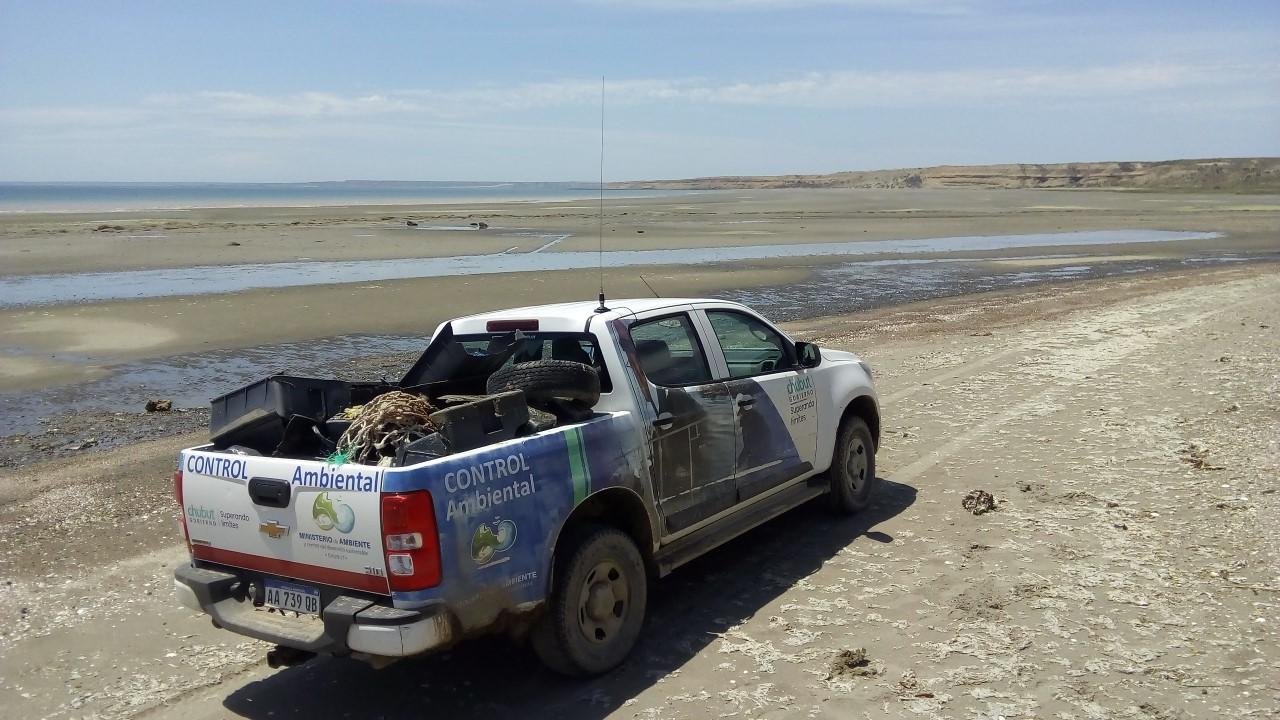 Se dio Inicio al Plan de monitoreo y limpieza del litoral costero chubutense, impulsado por el MAyCDS.