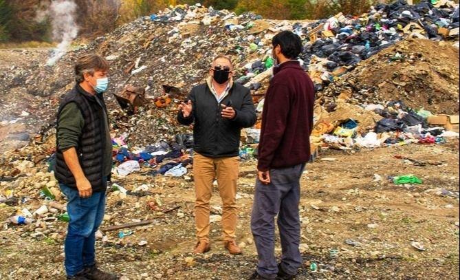 Provincia firmó un convenio con el Municipio de El Hoyo para avanzar en la erradicación del basural a cielo abierto